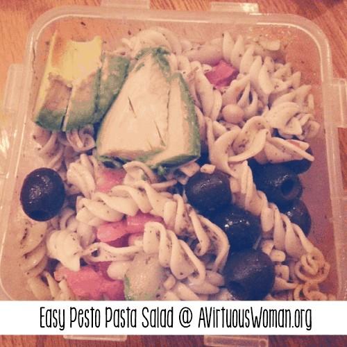 Easy Pesto Pasta Salad @ AVirtuousWoman.org