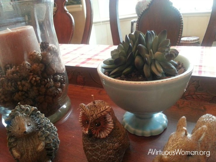 Autumn Table Vignette @ AVirtuousWoman.org