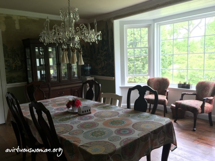 Vintage Wallpaper - Dining Room Tour @ AVirtuousWoman.org
