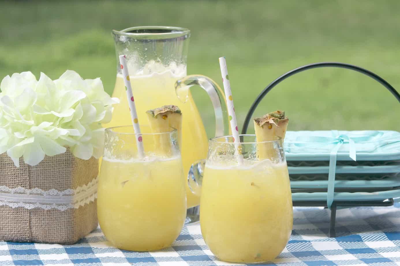 Tropical Pineapple Lemonade: You'll Love This Recipe!