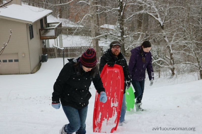 Inexpensive Ideas for Winter Fun @ AVirtuousWoman.org