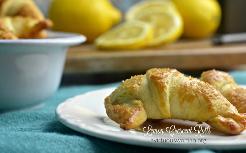 Easy and Delicious Crescent Rolls Dessert Recipes