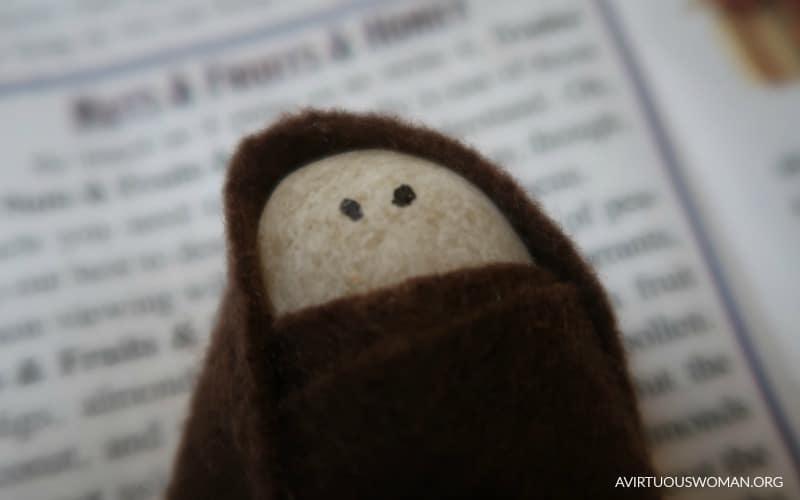 Baby Jesus in a Manger {salt dough craft} @ AVirtuousWoman.org