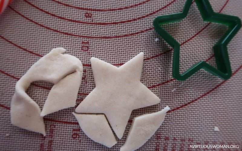 Salt Dough Star Ornament @ AVirtuousWoman.org