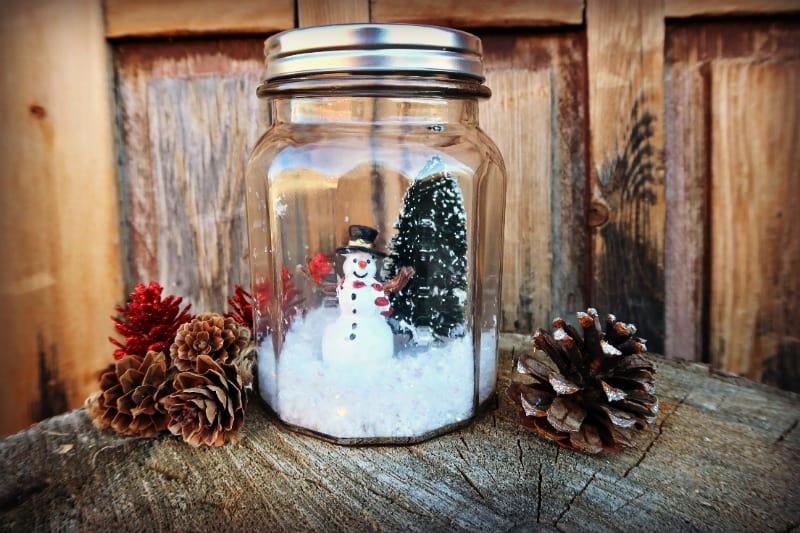 DIY Waterless Snow Globe
