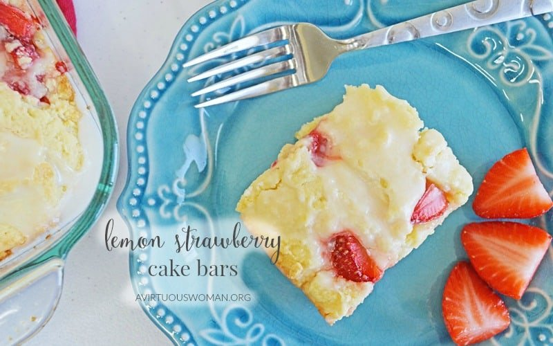 Lemon Strawberry Cake Bars @ AVirtuousWoman.org