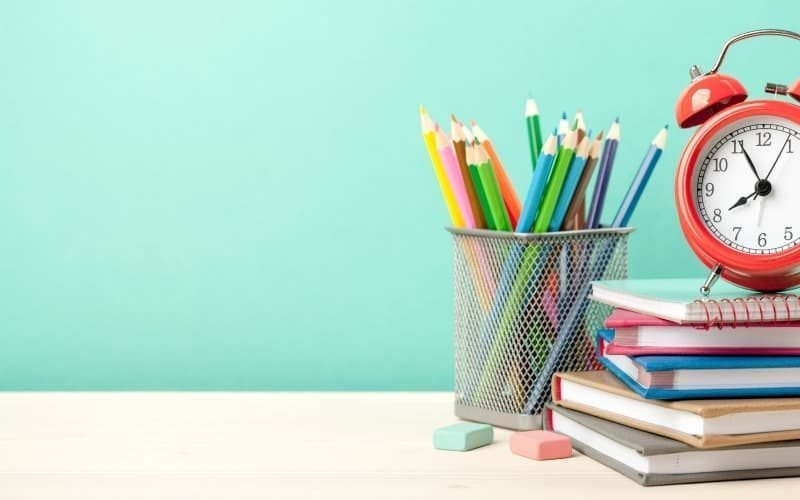 Organization Tips for Simple School Mornings @ AVirtuousWoman.org
