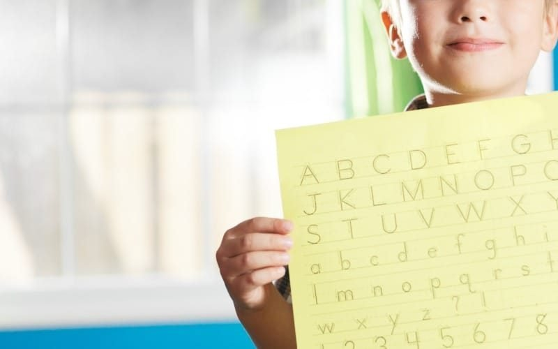 Tips for Organizing Your Child's School Papers @ AVirtuousWoman.org