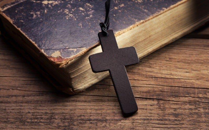 A Foundation of Faith for the Christian Homemaker @ AVirtuousWoman.org