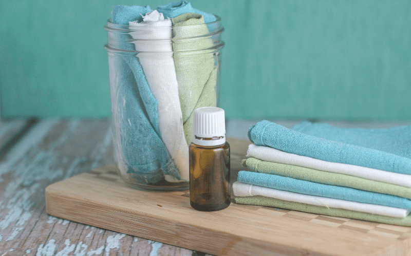 How to Make Homemade Reusable Dryer Sheets @ AVirtuousWoman.org
