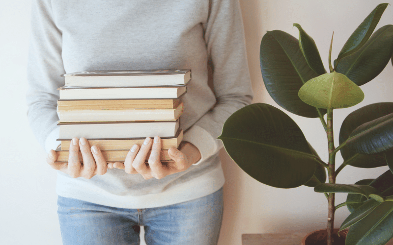 Cozy Homemaking Books | 10 Books to Inspire Your Cozy Homemaking