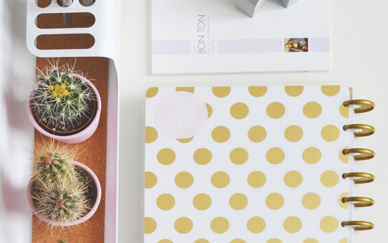 Using a Planner to Stay Organized + Free Printable Planning Pages