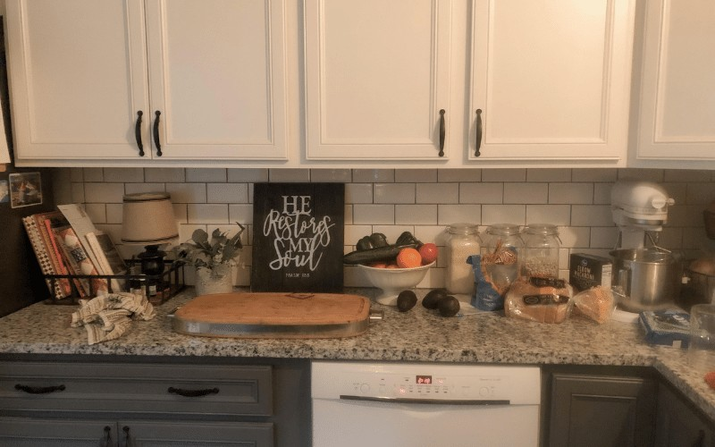 Keep Clutter of Your Kitchen Counters @ AVirtuousWoman.org